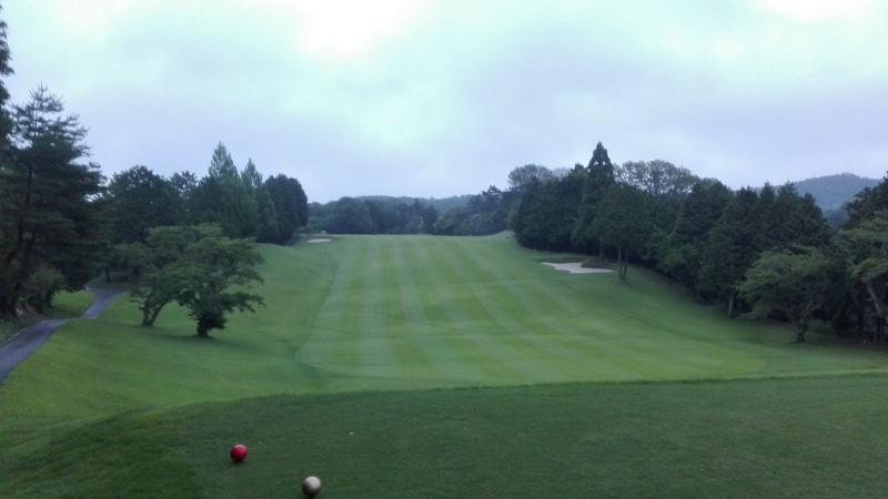 新奈良ゴルフ6時30分アウトの1番ホール