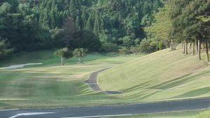 亀山ゴルフクラブアウトの2番 PAR4 360ヤード